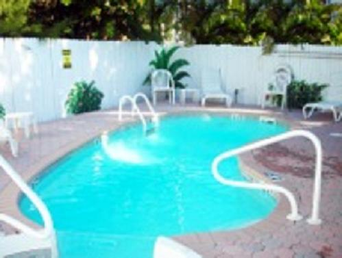 Pet Friendly Island Paradise Cottages of Madeira Beach