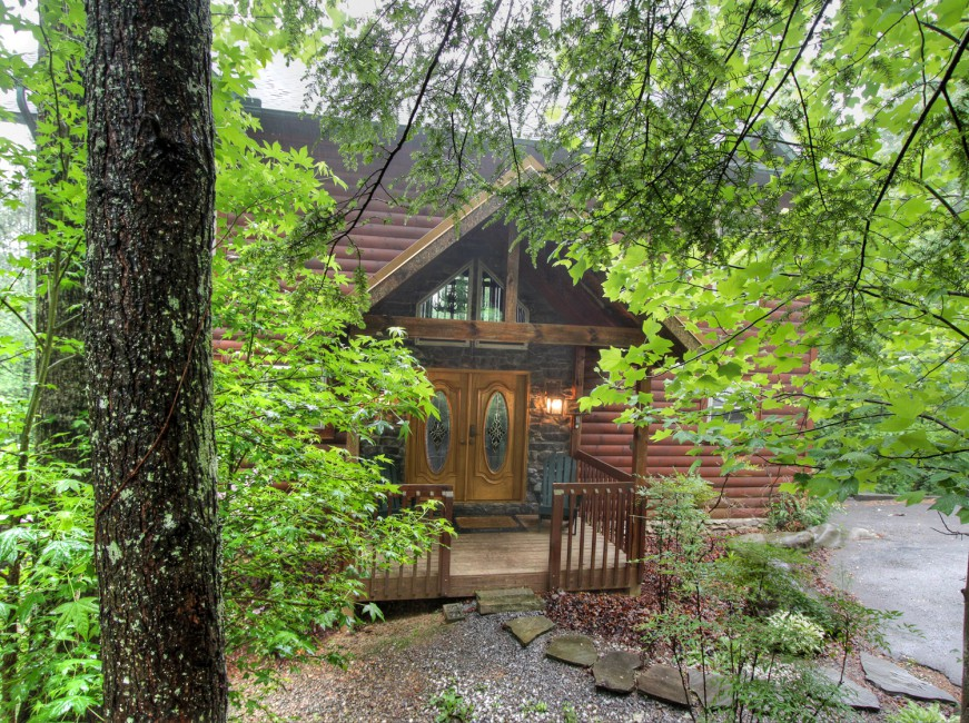 Pet Friendly Auntie Belham's Cabin Rentals