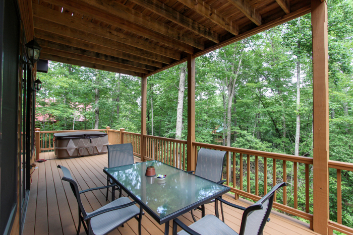 Pet Friendly DogWoods Retreat